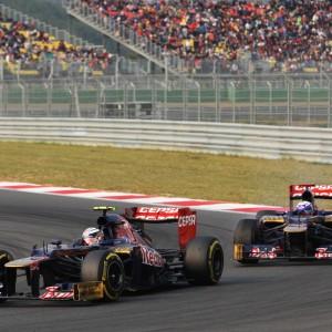 Formula One World Championship 2012, Round 16, Korean Grand Prix, Yeongam, South Korea, Sunday 14 October 2012 - Jean-Eric Vergne (FRA) Scuderia Toro Rosso STR7 leads team mate Daniel Ricciardo (AUS) Scuderia Toro Rosso STR7.