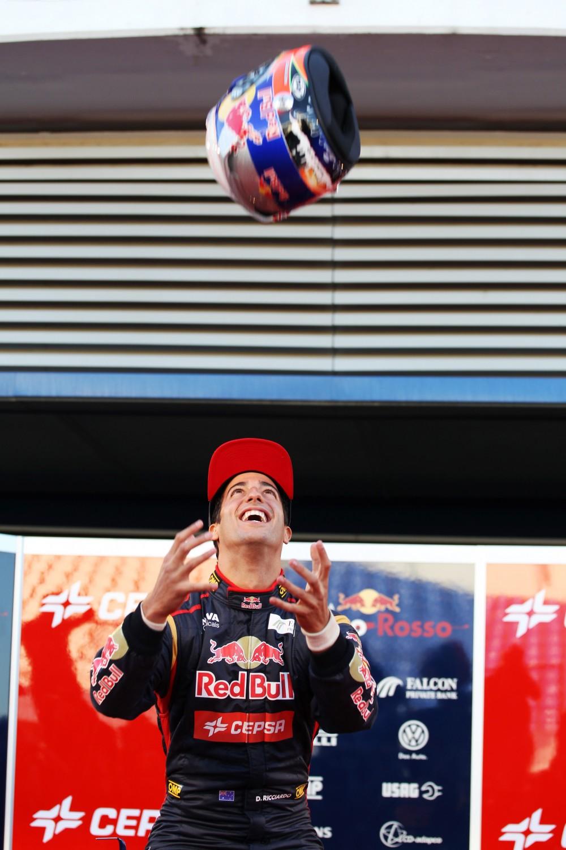 Toro Rosso STR8 Launch, Jerez de la Frontera, Spain, Monday 4 February 2013 - Daniel Ricciardo (AUS) Scuderia Toro Rosso.