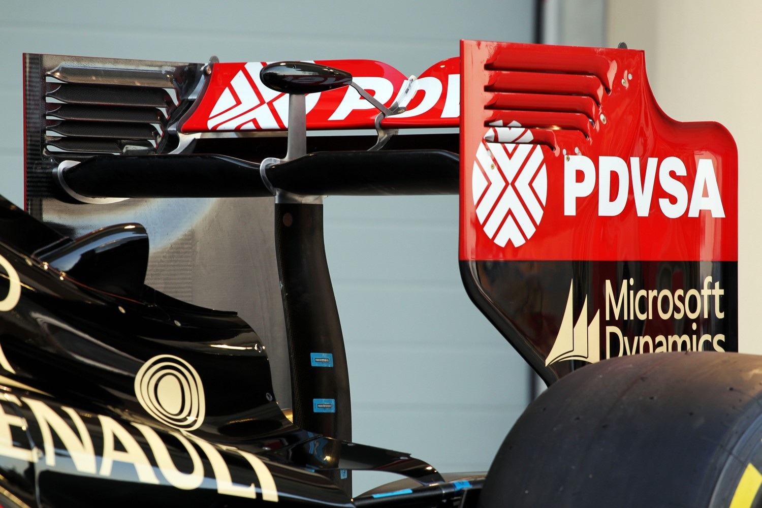 Formula One Winter Testing, Bahrain International Circuit, Sakhir, Bahrain, Thursday 20 February 2014 - The Lotus F1 E22 is officially unveiled - rear wing detail.