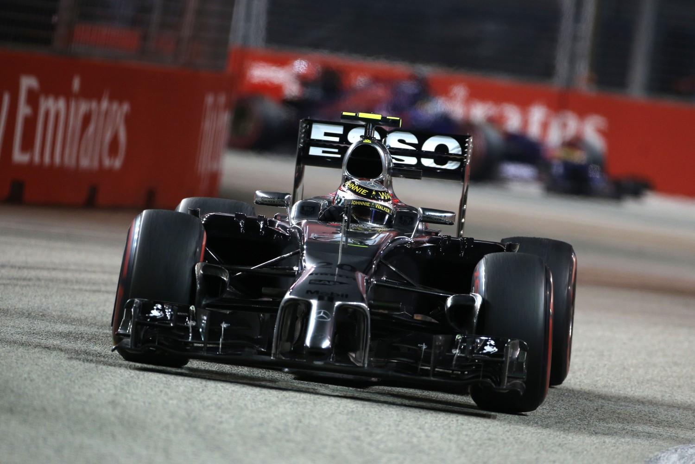 McLaren kent pechrace in Singapore