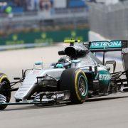 VT1: Rosberg als snelste van start in Sotsji