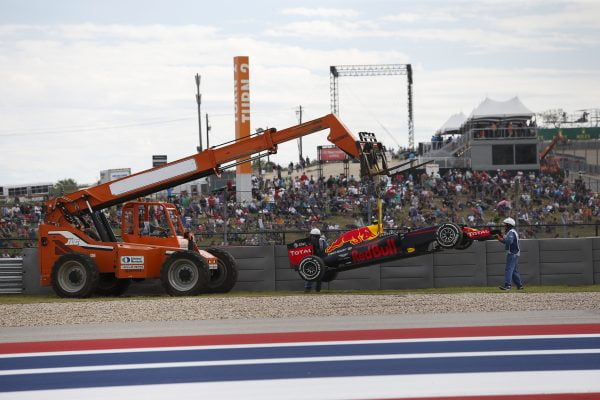 www.sutton-images.com The car of race retiree Max Verstappen (NED) Red Bull Racing RB12 is recovered at Formula One World Championship, Rd18, United States Grand Prix, Race, Circuit of the Americas, Austin, Texas, USA, Sunday 23 October 2016.