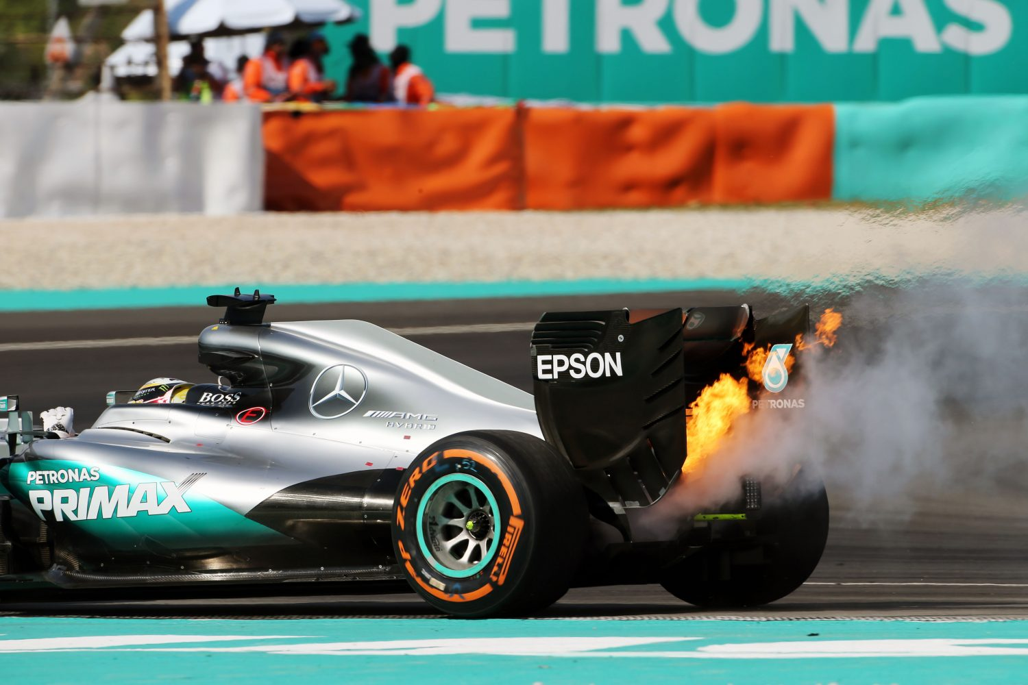 Formula One World Championship 2016, Round 16, Malaysian Grand Prix, Kuala Lumpur, Malaysia, Sunday 2 October 2016 - Lewis Hamilton (GBR) Mercedes AMG F1 W07 Hybrid retired from the race with a blown engine.