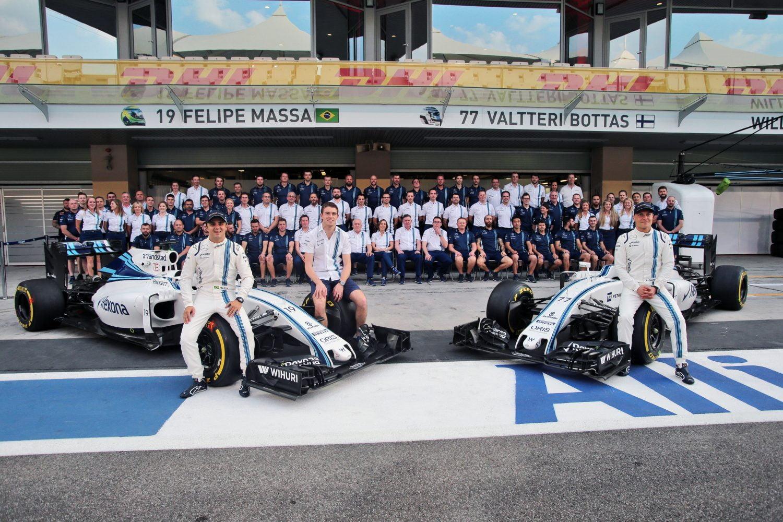 Formula One World Championship 2016, Round 21, Abu Dhabi Grand Prix, Abu Dhabi, United Arab Emirates, Thursday 24 November 2016 - L to R): Felipe Massa (BRA) Williams; Paul di Resta (GBR) Williams Reserve Driver; and Valtteri Bottas (FIN) Williams, at a team photograph.