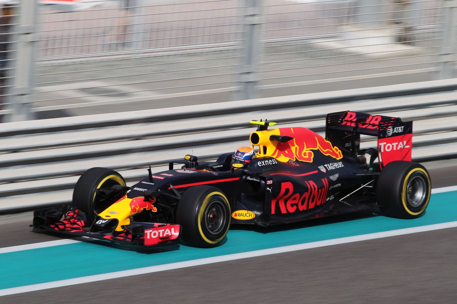 Formula One World Championship 2016, Round 21, Abu Dhabi Grand Prix, Abu Dhabi, United Arab Emirates, Friday 25 November 2016 - Max Verstappen (NLD) Red Bull Racing RB12.