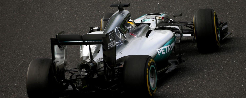 Tost adviseert: 'bevries ontwikkeling Mercedes-motor'