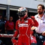 Räikkönen blij met pole, Vettel baalt dat hij 'm net mist
