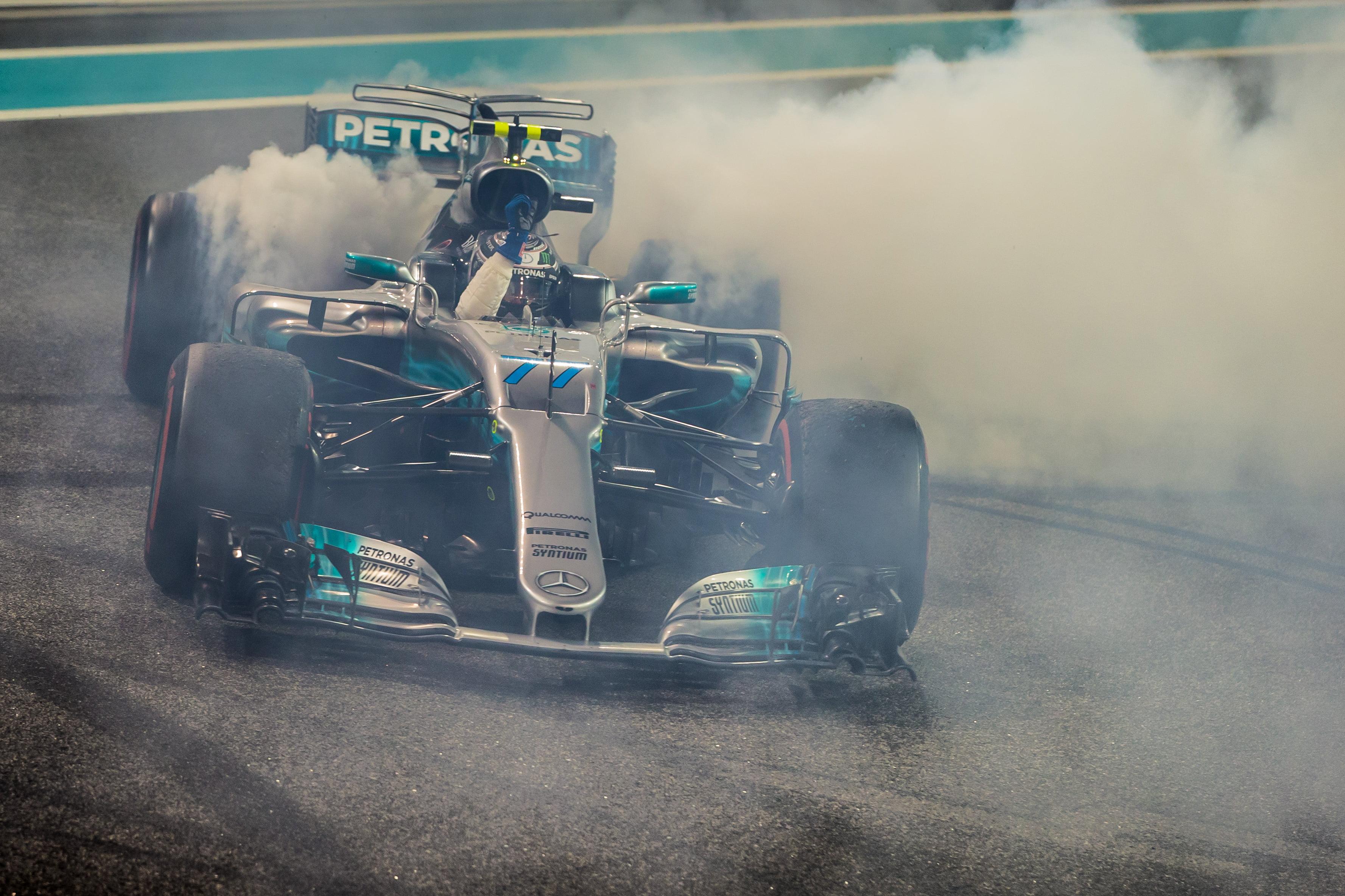 Formula One World Championship 2017, Round 20, Abu Dhabi Grand Prix, Abu Dhabi, United Arab Emirates, Sunday 26 November 2017 – Race winner Valtteri Bottas (FIN) Mercedes AMG F1 W08 celebrates at the end of the race with some doughnuts.