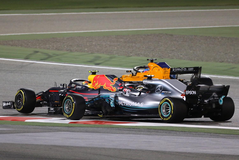 Verstappen: 'Makkelijk voor Hamilton om jongere coureur de schuld te geven'