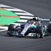 VT1: Hamilton snelste, Verstappen valt stil