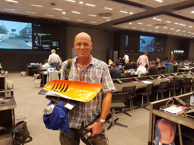 Dagboek uit Abu Dhabi (4): McLaren zet onze huisfotograaf Van Egmond in het zonnetje