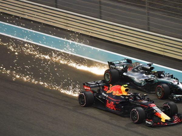 Hamilton wil 'de allerbeste' worden, maar waakt voor Verstappen en Leclerc