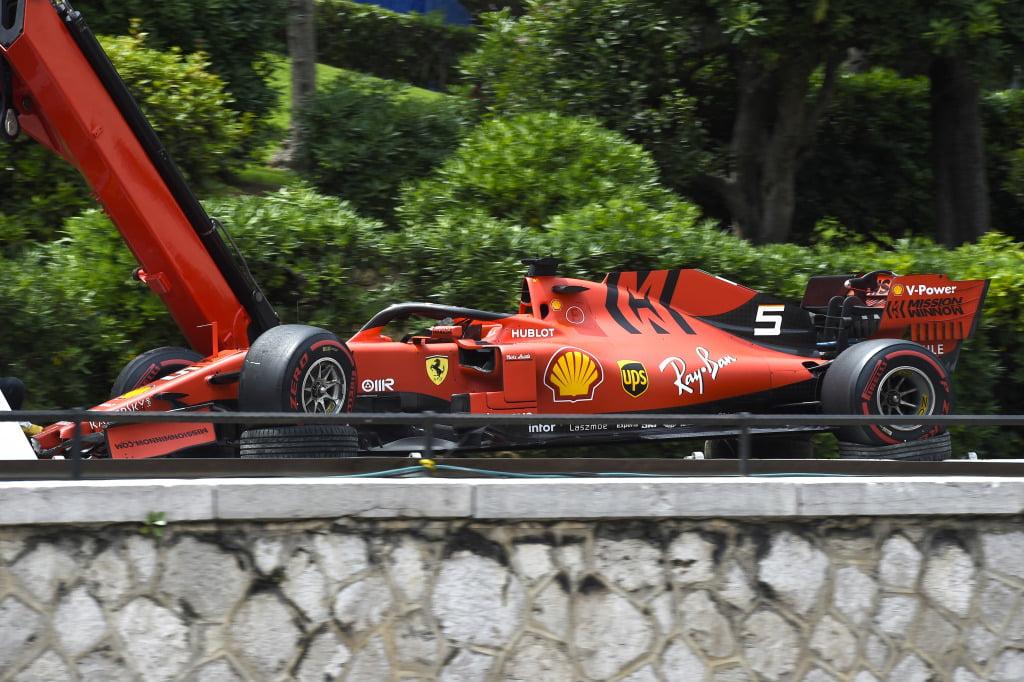 14.Vettel Wintertest: Voorvleugel (120.000), Bargeboards (60.000), Voorwielophanging (70.000), Wagenbodem (140.000) Bahrein: Voorvleugel (120.000) Monaco: Voorvleugel (120.000), Bargeboards (60.000), Voorwielophanging (70.000) Engeland: Voorvleugel (120.000) Italië Voorvleugel (120.000) Tussenstand: €1.000.000