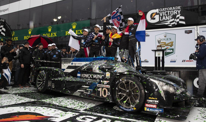 Daytona-winnaar Van der Zande: 'Ik nodig Alonso graag nog een keer uit!'