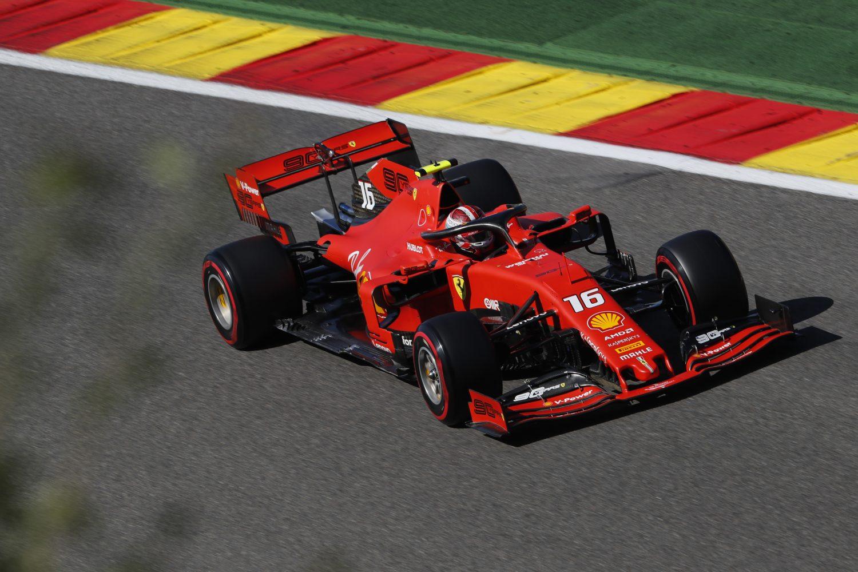 Leclerc leidt Ferrari naar één-twee in de kwalificatie in Spa