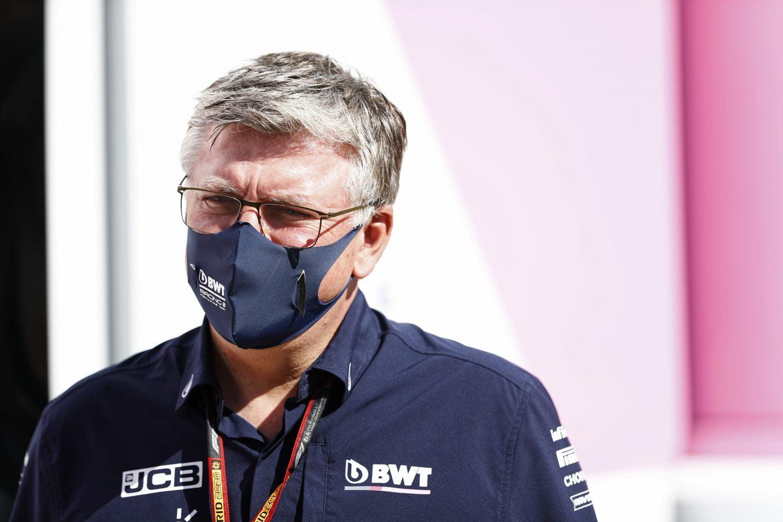 Racing Point-teambaas Szafnauer haalt uit naar Brown: 'Verbaast me hoe weinig hij van de F1 weet'